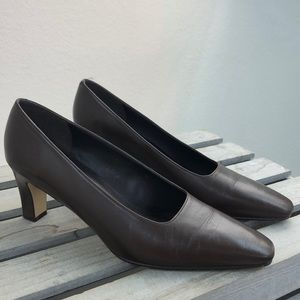 Bandolino Brown Leather Career Pumps Size 7 M